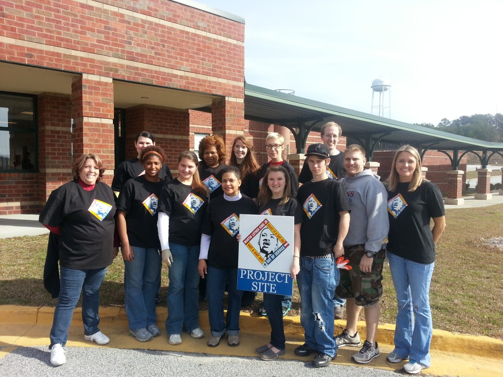 AmeriCorps Group Picture at MLK Service Project